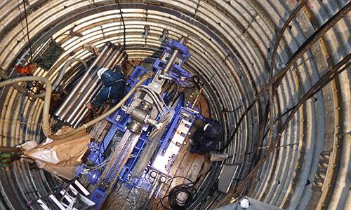 集水井内の集排水ボーリング
